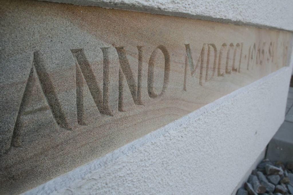 Stein mit Anno Gravur